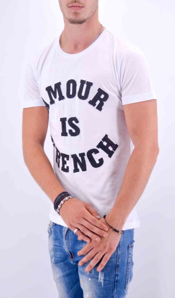 "TEE-SHIRT ""AMOUR IS FRENCH"" BLANC HOMME - Mode Urbaine AD-18 B-N"